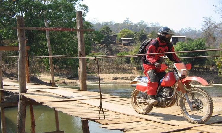 Über die Holzbrücke