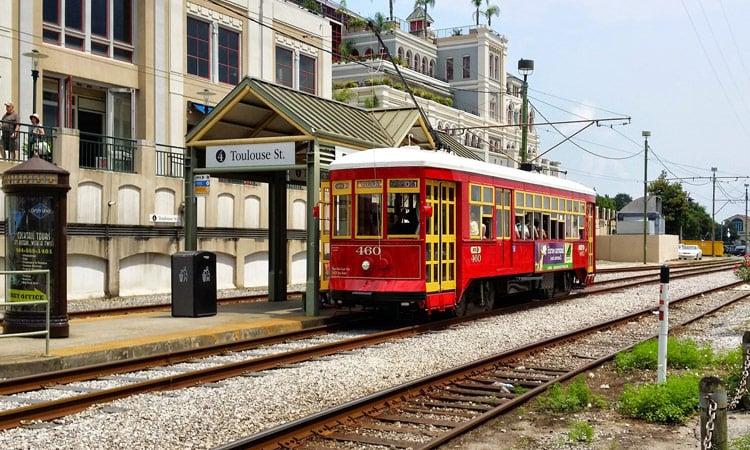 Straßenbahn an der Toulouse Street