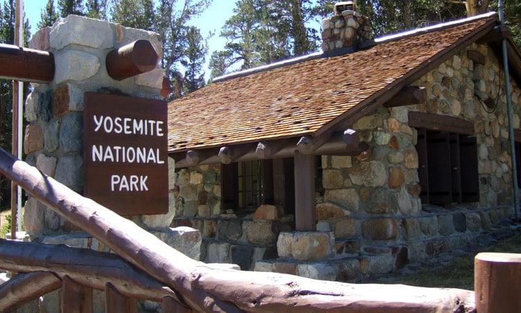 Eingang zum Yosemity National Park
