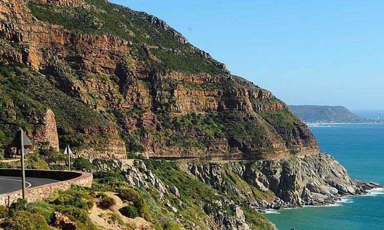 Die schöne Küstenstraße zum Aussichtspunkt Chapman's peak