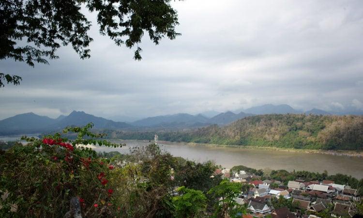 Blick auf den Fluss von unserem Resort aus