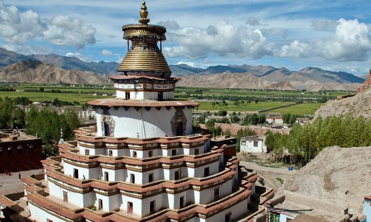 Die begehbare Kumbum Stupa