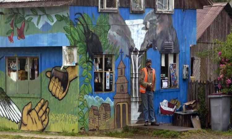 Bemaltes Haus in Puyuhuapis