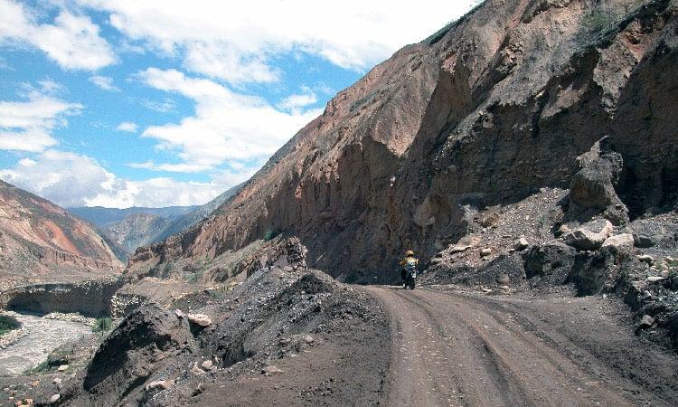 Piste in die Berge von Huaraz