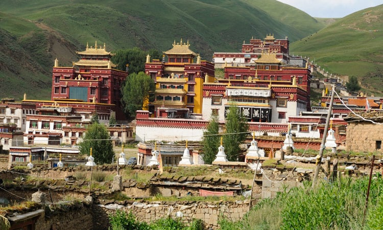 Die Klosteranlage in Litang