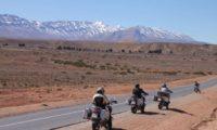 Die schneebedeckten Berge des hohen Atlas