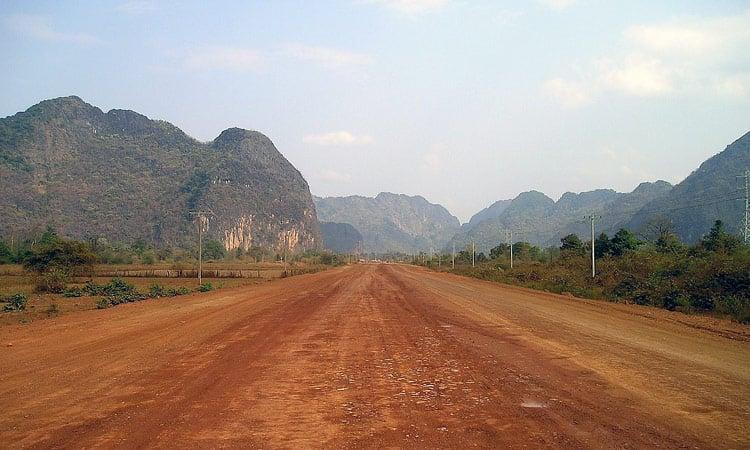 Laos gute Piste in die Berge