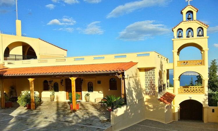 Eingang zum Kloster