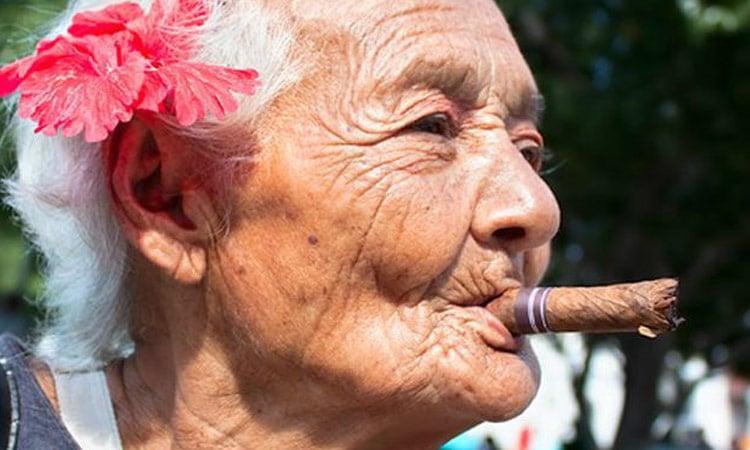 Wir schauen uns natürlich auch die Zigarrenproduktion an