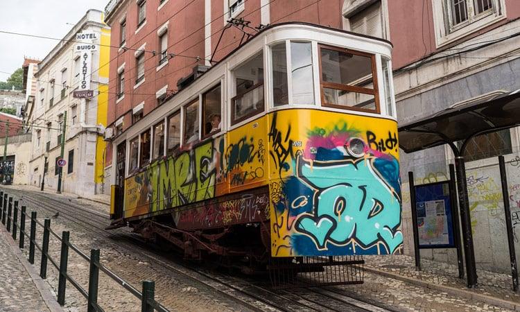 Die Straßenbahn erinnert ein bisschen an San Francisco