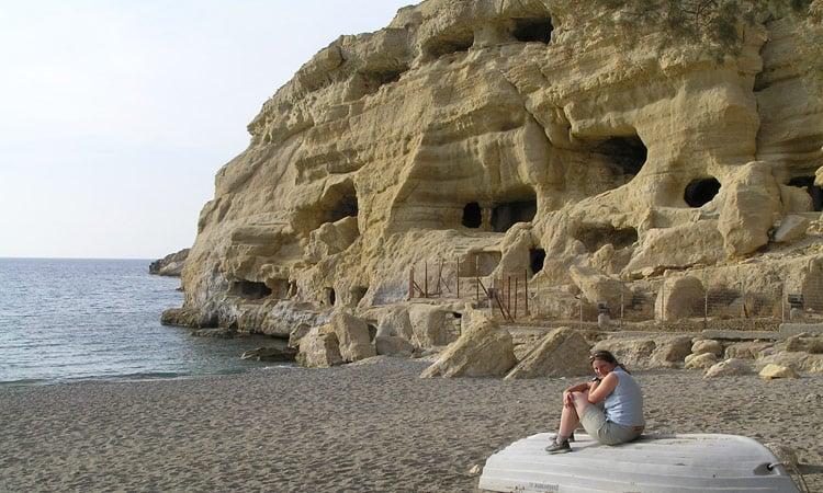 Die Höhlen am Strand von Matala