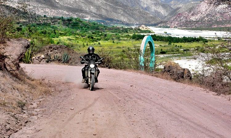 Gute Pisten auf dem Weg nach Chincheros