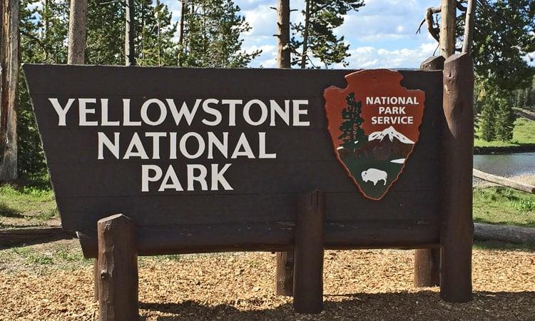 Eingang zum Yellowstone N.P.