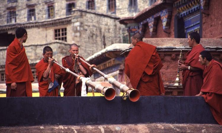 Musizierende Mönche