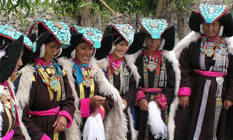 Tibetanischer Frauen in Ihrer festlichen Tracht
