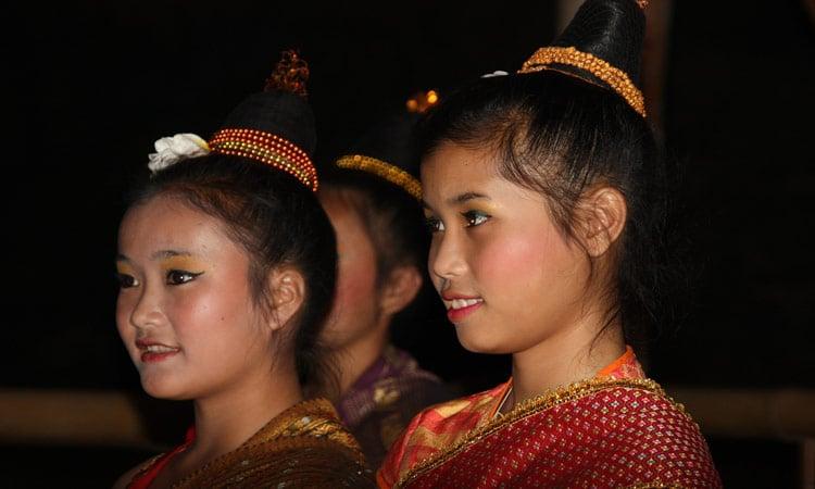 Laos Mädchen in Tracht