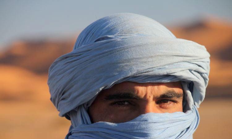 Beduine mit traditionellem Turban