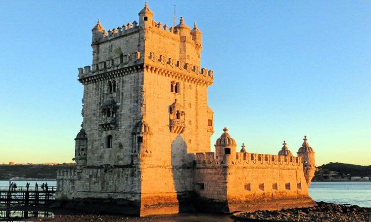 Der Belem Turm bei Sonnenuntergang