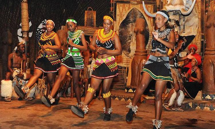 Afrikanische Tänze und Musik, ein echtes Highlight unserer Tour