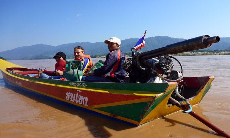 Speedboat Fahrt in Laos