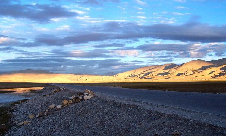Sonnenuntergang auf dem Hochplateau Tibets