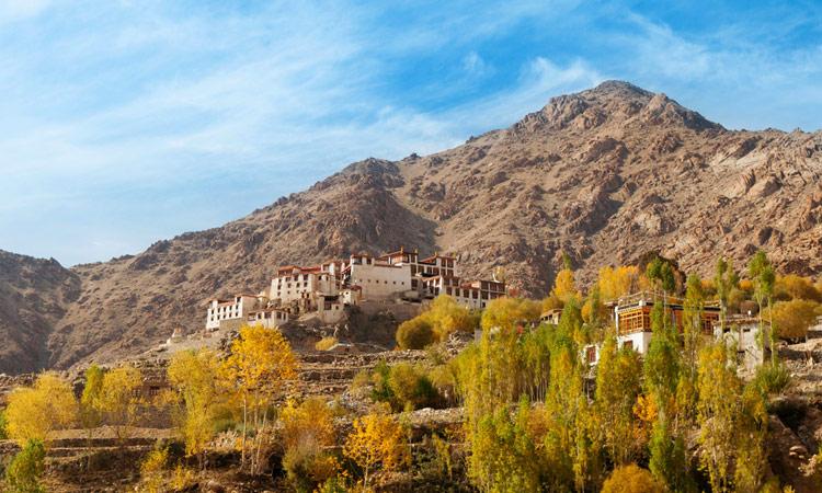 Blick auf das Likir Kloster in Alchi