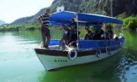 Flußüberquerung mit dem Boot