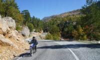 Ein Kurventanz im Taurus Gebirge auf dem Weg zur Küste
