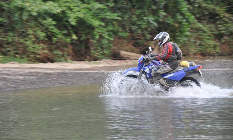kurze Fahrt durchs Wasser