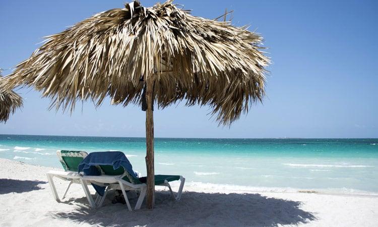 Varadero Sonnenschirm auf Kubanisch