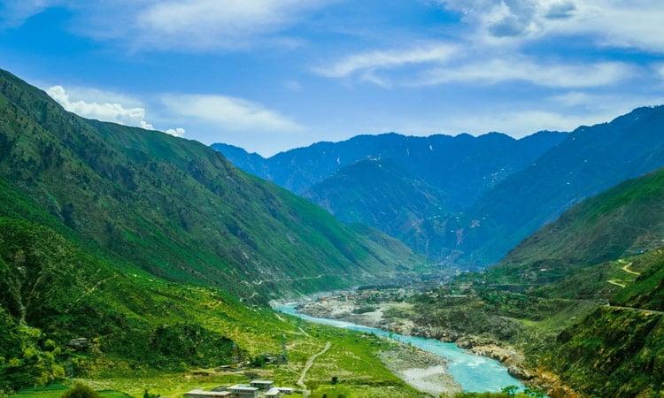 Saftig grüne Täler auf dem Weg nach Dharamsala
