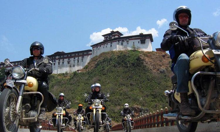 Bhutan cruisen mit Enfields
