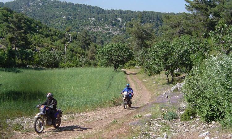 Auf Feldwegen durchs Taurus Gebirge