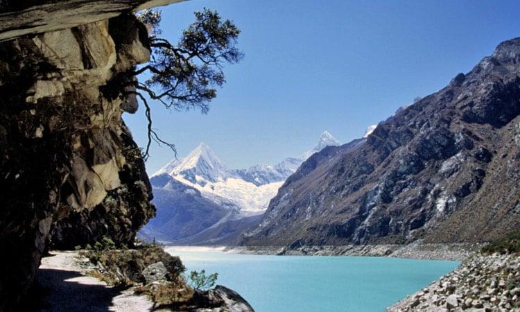 Bezaubernder Blick auf den Bergsee